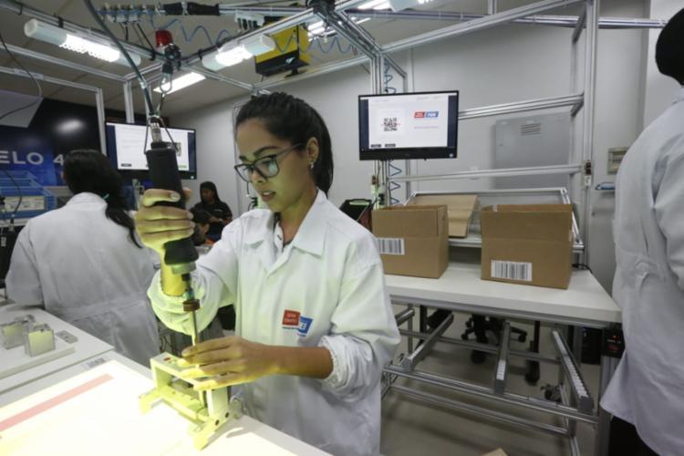 As novas tecnologias têm o objetivo de aumentar produtividade e competitividade da indústria brasileira por meio da digitalização - Foto: Rafael Martins | Ag. A TARDE