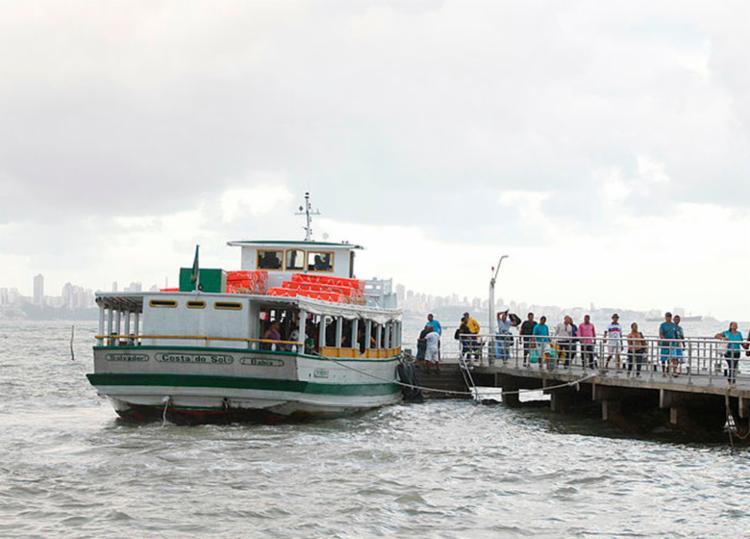 Motivo da parada é por conta da maré baixa - Foto: Luciano Carcará | Ag. A TARDE