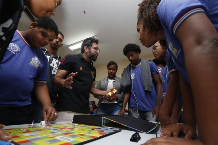 Estudantes representaram pastas da gestão pública no jogo - Foto: Rafael Martins l Ag. A TARDE