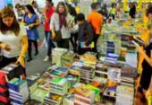 Estudantes entregam abaixo-assinado com 1 milhão de assinaturas contra taxação de livros | Foto: Fernando Frazão | Agência Brasil