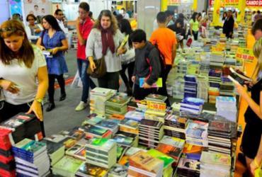 Estudantes entregam abaixo-assinado com 1 milhão de assinaturas contra taxação de livros | Fernando Frazão | Agência Brasil