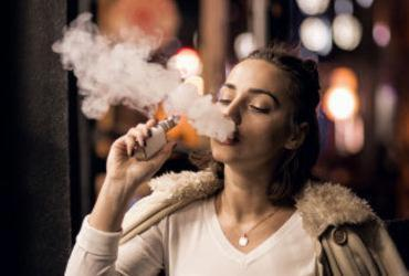 Proibida, venda de cigarro eletrônico é feita em sites e nas redes | Divulgação | Freepik