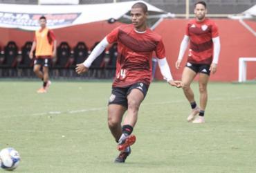Geninho comanda coletivo na Toca do Leão e testa opções | Letícia Martins | EC Vitória