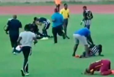 Jogadores passam mal após raio cair em campo na Jamaica | Reprodução
