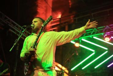 Ricardo Reina lança disco solo no Parque Costa Azul