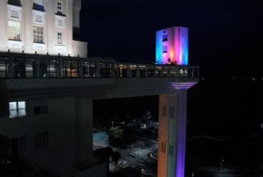 Elevador Lacerda recebe iluminação nas cores da bandeira LGBT | Divulgação
