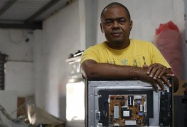 Lixo eletrônico gera lucro para pequenos empreendedores | Rafael Martins | Ag. A TARDE