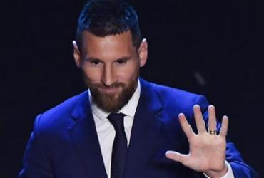 Messi volta a ser eleito o melhor do mundo e se isola com seis conquistas   Marco Bertorello l AFP