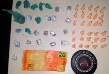 Adolescente de 14 anos é apreendido com 31 pinos de cocaína   Divulgação   PM
