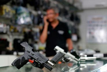 Projeto que amplia posse de arma no campo é sancionado | Raul Spinassé / Ag. A Tarde