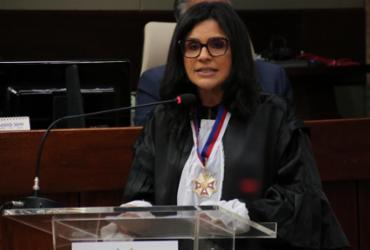 Juíza Ana Paola toma posse como desembargadora   Divulgação