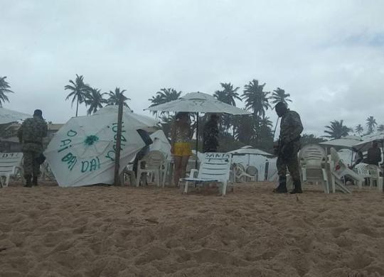 Jovem desaparece após se afogar em praia de Imbassaí; amigo é salvo por barraqueiros | Filipe Ribeiro l Ag. A TARDE