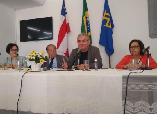 Bolsonaro tinha núcleo organizado de fake news, afirma Angelo Coronel | Raul Aguilar | Ag A TARDE