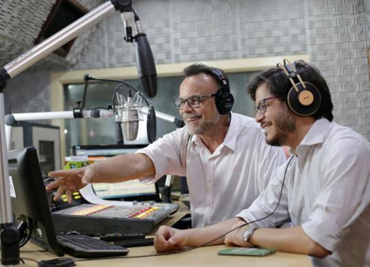 'Isso É Bahia' promove interação com o ouvinte e convergência multimídia   Raul Spinassé   Ag. A TARDE