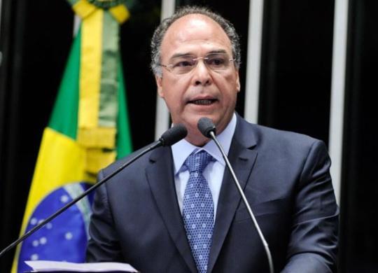 Investigado pela PF, líder do governo no Senado coloca cargo à disposição   Moreira Mariz   Agência Senado
