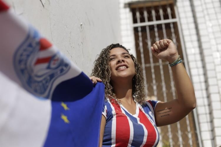 Maria Ribeiro, da Tricoloucas, protestou contra o assédio masculino na Arena Fonte Nova
