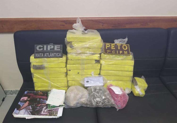 Maconha, crack e cocaína foram apreendidos na ação - Foto: Divulgação | SSP