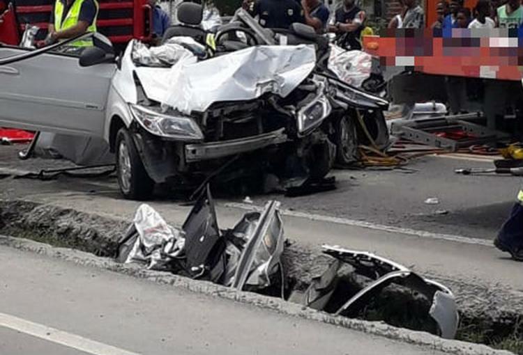 O veículo ficou completamente destruído - Foto: Arquivo Pessoal