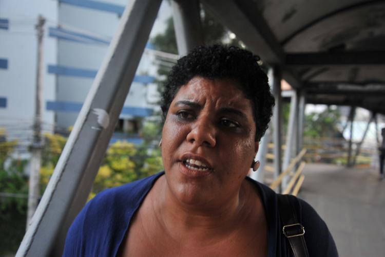 A pedagoga Ana Cristina Alencar é a favor de uma possível proibição