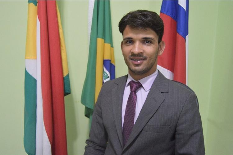 Vinicius Ibrainn é o prefeito da cidade de Buerarema