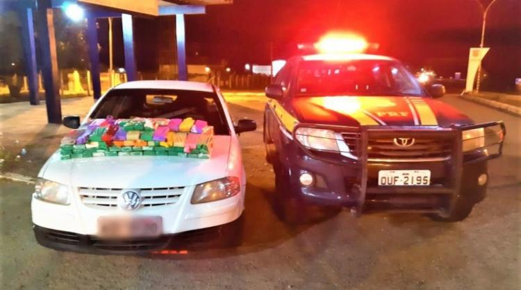 O condutor e a droga apreendida foram encaminhados para a Delegacia da Polícia Civil em Itaberaba - Foto: Divulgação   PRF-BA