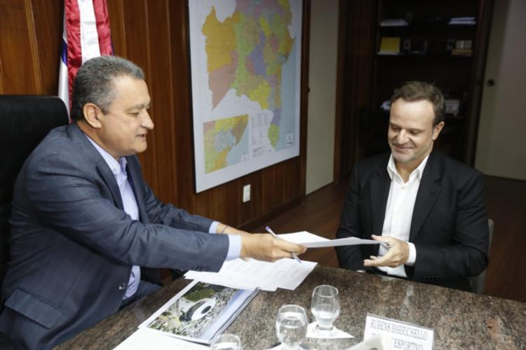 Em reunião, foi assinada uma carta de intenções para a construção do empreendimento - Foto: Rafael Martins   Ag A TARDE
