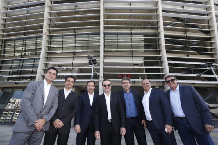 Barrichello e empresários visitaram a Arena Fonte Nova, onde apresentou à imprensa suas ideias de implantação do kartódromo