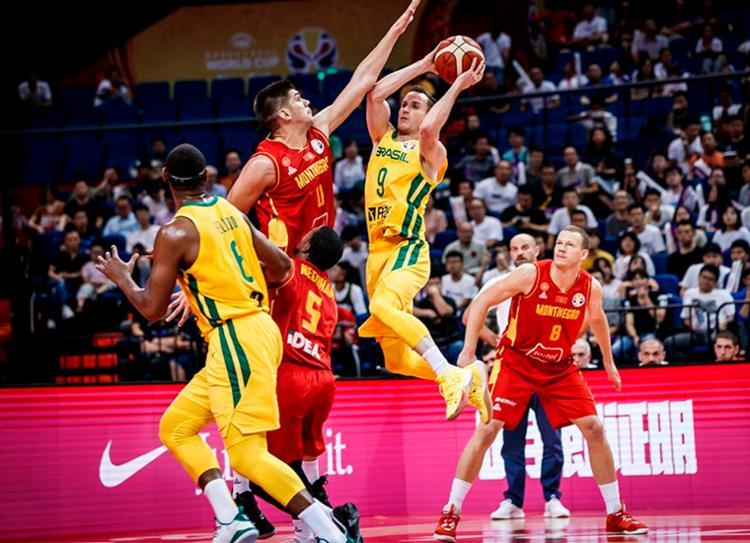 Com boa atuação de Marcelinho Huertas, venceu Montenegro por 84 a 73 - Foto: Divulgação | FIBA
