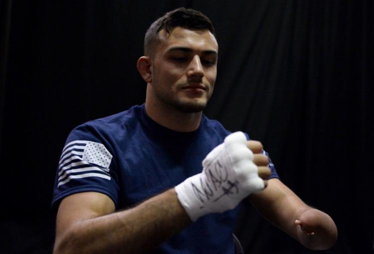 Nick Newell possui uma malformação congênita no braço esquerdo - Foto: Divulgação   UFC