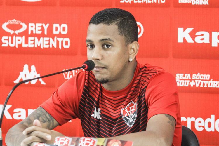 Para o lateral, a nova formação traz mais solidez defensiva - Foto: Letícia Martins l EC Vitória