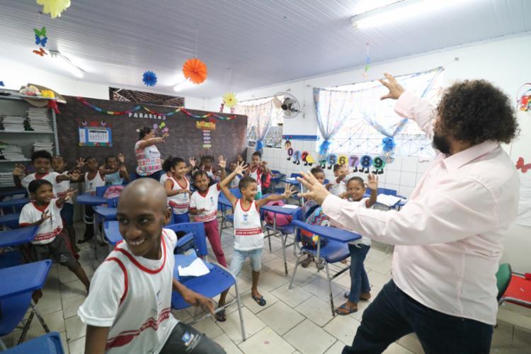 A Caravana Luz Cultural foi criada em 1993 pelo professor e maestro Givanildo Amâncio, conhecido como maestro Gil. - Foto: Divulgação