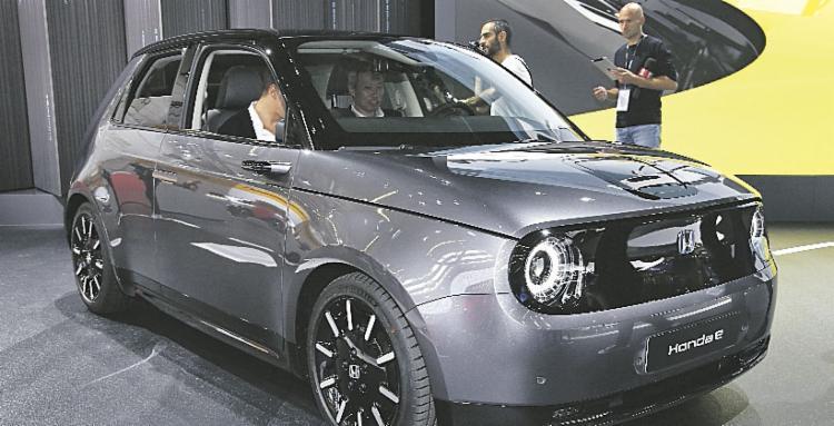Honda e: versão elétrica, com motor de 137 ou 156 cavalos