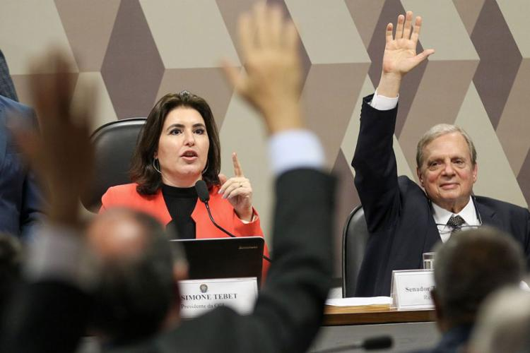 Relatório teve 18 votos favoráveis e sete contrários - Foto: Fabio Rodrigues Pozzebom l Agência Brasil