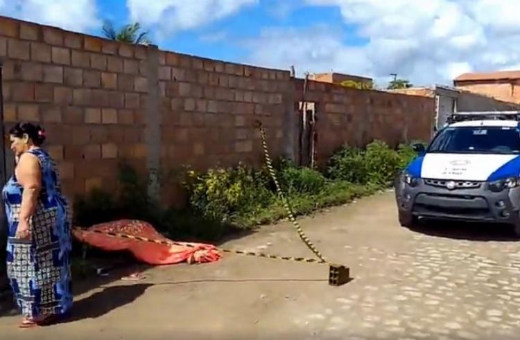 A área foi isolada até a chegada da Polícia Técnica - Foto: Reprodução