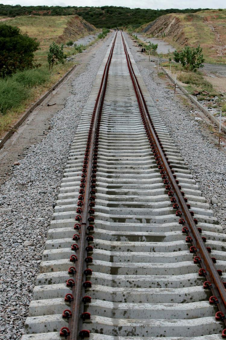 Ferrovia ligará o interior do Piauí aos portos de Pecém (CE) e Suape (PE) - Foto: Elói Corrêa   GOVBA