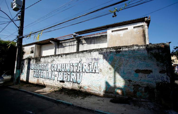 Mostras acontecem em diversos espaços de Salvador, entre eles na Biblioteca Comunitária Zeferina-Beiru - Foto: Tiago Caldas   Ag. A Tarde
