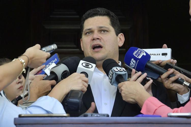 O presidente do Senado convocou uma sessão do Congresso Nacional para esta terça, 24 - Foto: Marcos Brandão l Agência Senado