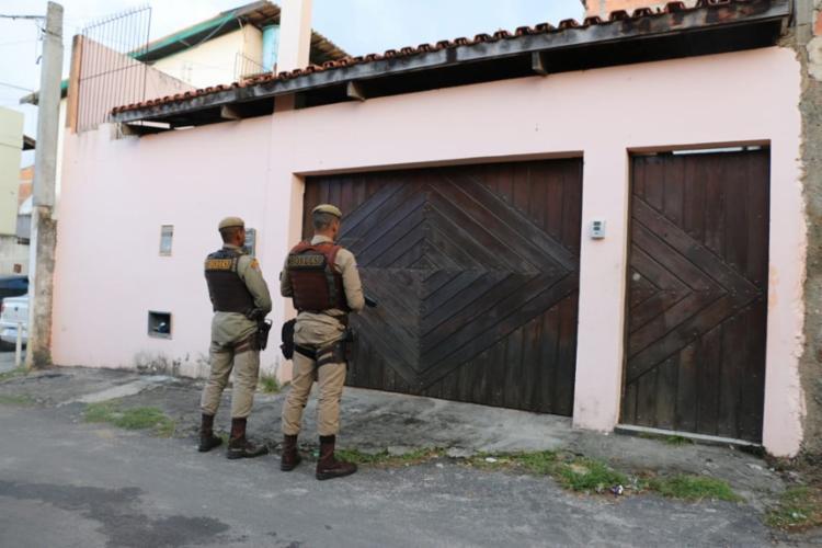As equipes chegaram até o imóvel após abordagens de rotina na região de Itapuã - Foto: Divulgação | SSP