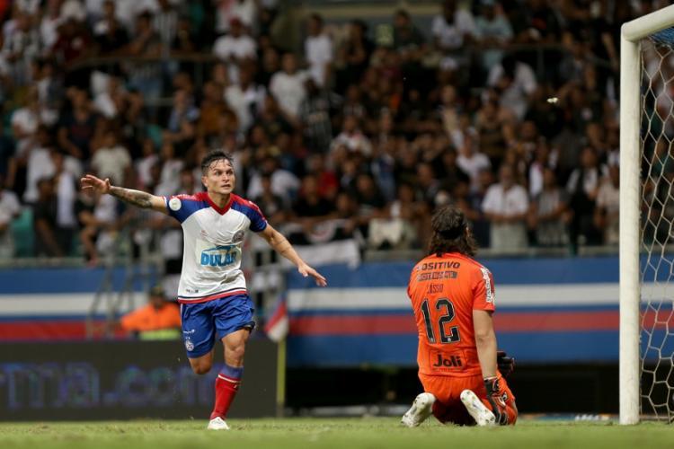 No primeiro turno, Artur marcou um dos gols que deu o triunfo ao Tricolor contra o Timão - Foto: Felipe Oliveira | EC Bahia