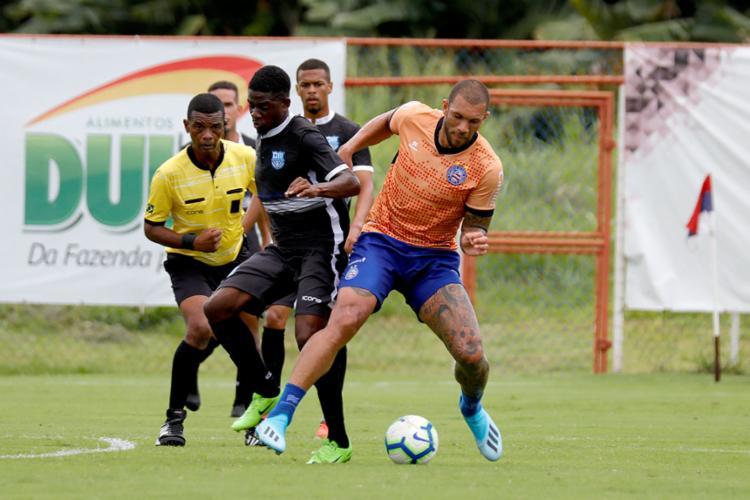 O atacante Fernandão foi o autor de um dos gols do amistoso contra o Olímpia (BA) - Foto: Felipe Oliveira   EC Bahia