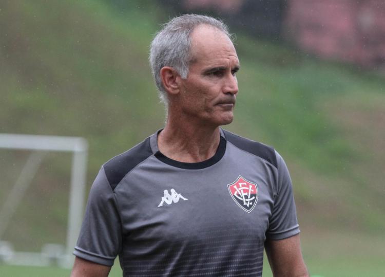 O treinador não resistiu aos resultados ruins nas últimas duas rodadas e deixa o comando do clube - Foto: Letícia Martins   EC Vitória
