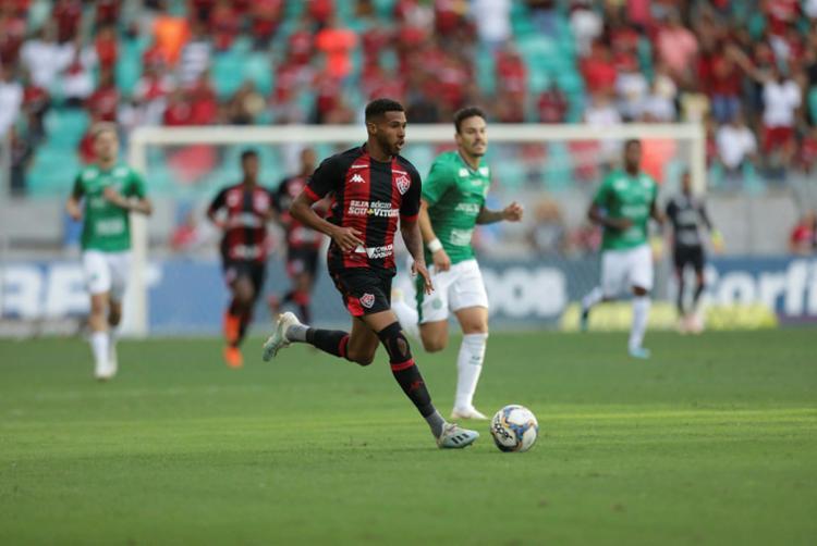 Além do retorno à Fonte Nova, partida marca a primeira derrota do time sob comando de Carlos Amadeu - Foto: Adilton Venegeroles | Ag. A TARDE