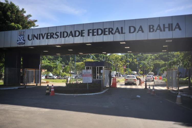 O posicionamento foi definido durante reunião do Conselho Universitário (Consuni) nesta terça-feira, 29 Foto: Felipe Iruatã | Ag. A TARDE - Foto: Felipe Iruatã | Ag. A TARDE