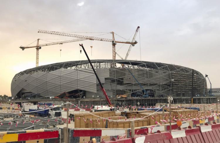 O novo estádio, com capacidade para 40 mil torcedores, vai receber sua primeira partida oficial no dia 18 de dezembro, no duelo de estreia do Liverpool na competição - Foto: Karim Abou Merhi l AFP