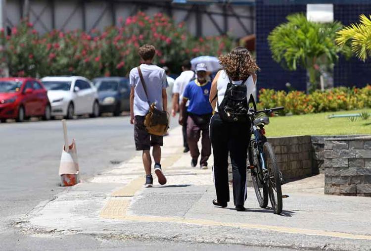 Ampliar o acesso do cidadão aos modais é um dos desafios que o próximo prefeito de Salvador - Foto: Adilton Venegeroles | Ag. A TARDE