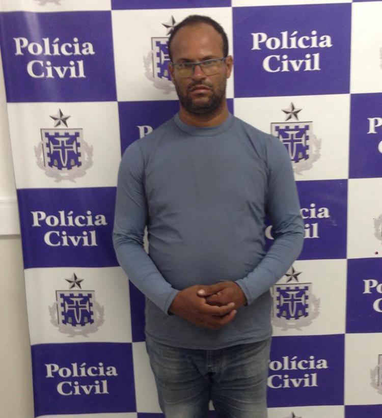 Adailson está custodiado na unidade policial, e segue à disposição da justiça - Foto: Divulgação   Polícia Civil