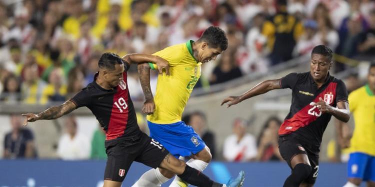 O Brasil, desorganizado e desentrosado, tentou buscar o empate no fim - Foto: Lucas Figueiredo | CBF