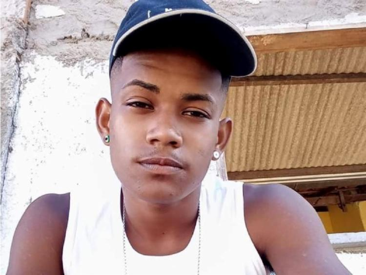 Jaivan Santos Santana, de 20 anos, foi baleada na região das costas, tórax e mão - Foto: Reprodução | Redes Sociais