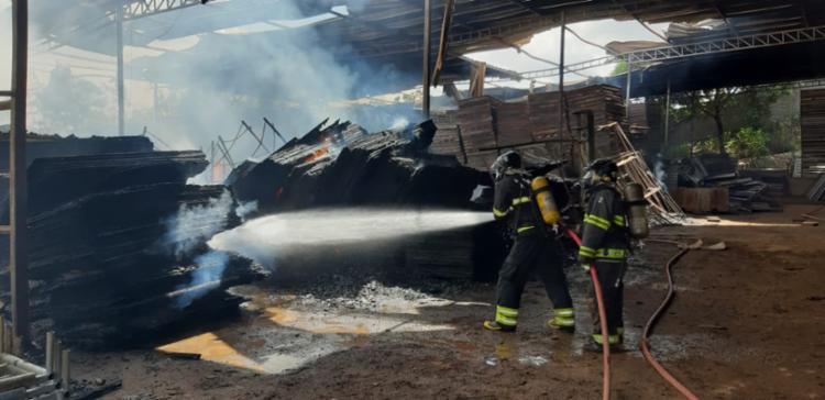 Incêndio começou às 5h - Foto: Divulgação | CBMBA