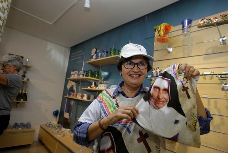 Produção do kit buscou mostrar a humildade de Irmã Dulce e aproximar o público da trajetória dela